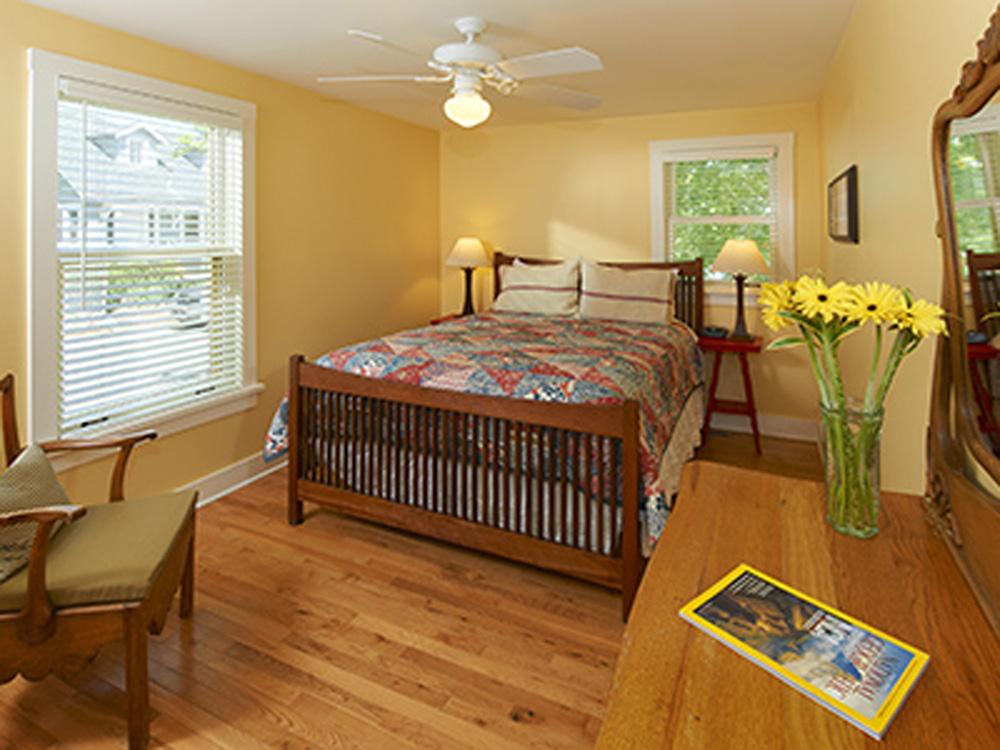 Chautauqua Cottages bedroom