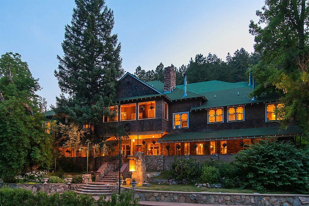 The Alps Boulder Canyon Inn