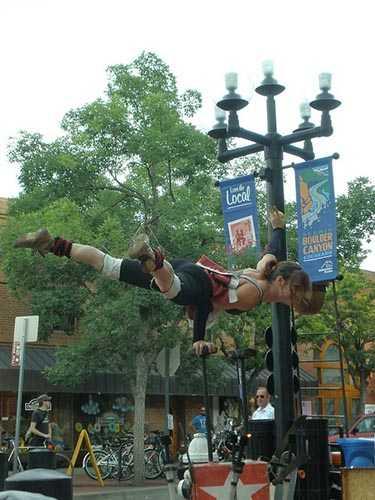 Street performer on Pearl Street