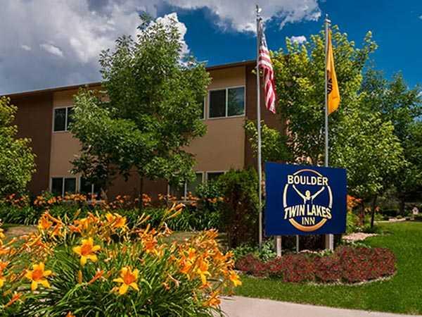 Boulder Twin Lakes Inn exterior