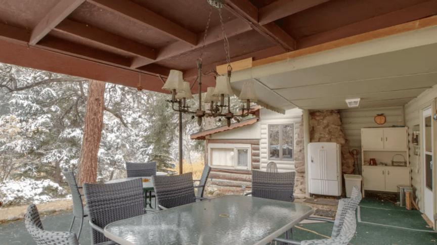 Lyons cabin